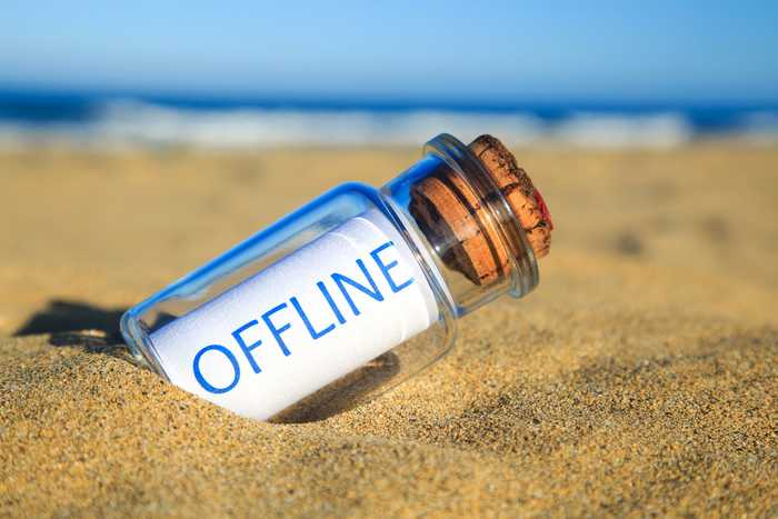 Message 'offline' in a bottle at the beach